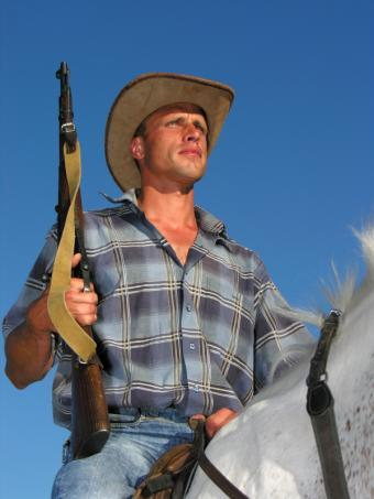 https://cf.ltkcdn.net/mens-fashion/images/slide/49358-600x800-CowboyLawman.jpg