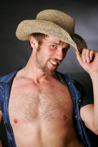 https://cf.ltkcdn.net/mens-fashion/images/slide/49359-566x848-CowboyRascal.jpg