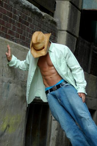 https://cf.ltkcdn.net/mens-fashion/images/slide/49360-565x850-CowboyDrunk.jpg