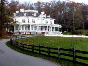 Jumbo House