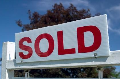 Image of a house sold sign