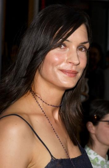 https://cf.ltkcdn.net/movies/images/slide/92233-353x540-Famke_Janssen_Lee_Roth.jpg
