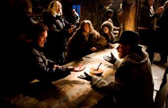 Kurt Russell, Jennifer Jason Leigh, and Tim Roth