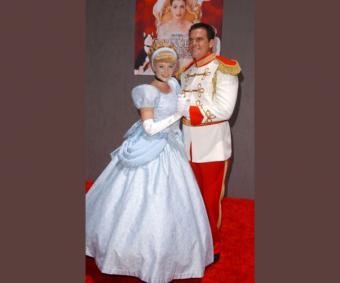 https://cf.ltkcdn.net/movies/images/slide/213140-600x500-Cinderella-image.jpg