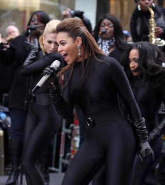 https://cf.ltkcdn.net/music/images/slide/93534-536x600-Beyonce6.jpg