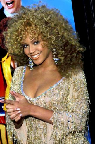 Beyonce - Austin Powers event