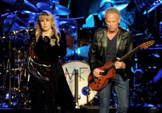 Stevie Nicks (L) and Lindsey Buckingham of Fleetwood Mac