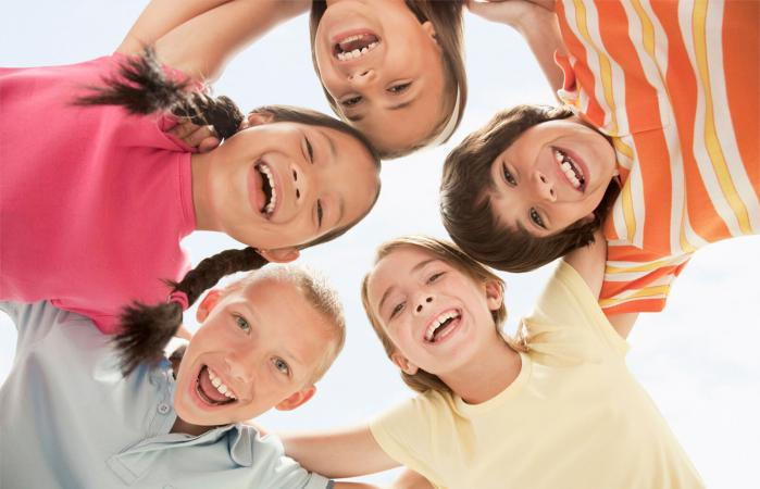 Niños en circulo