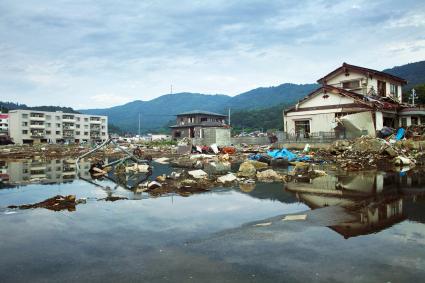 Daños causados por un tsunami en Ayukawahama