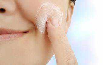 Organic Skin Care Products That Lift and Tighten Skin