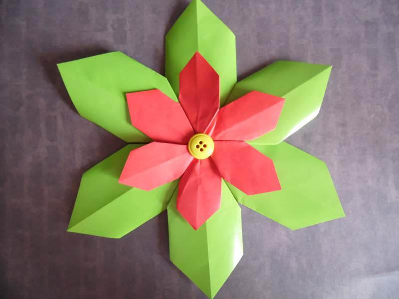 Origami decorations festive table — Stock Photo © mukhin #97916682 | 600x800