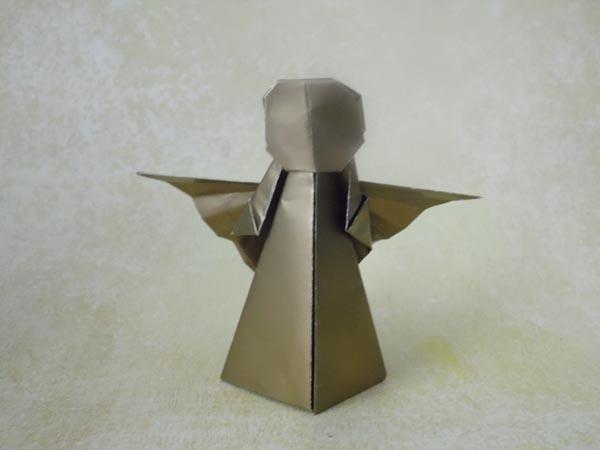 Cardboard Christmas Star | THE CARDBOARD COLLECTIVE | 450x600