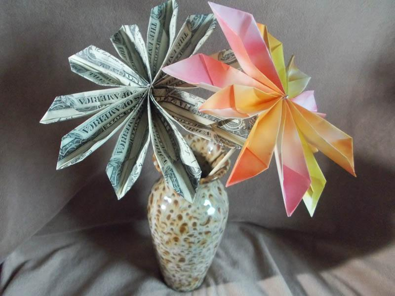 Origami money flowers lovetoknow money flower mightylinksfo