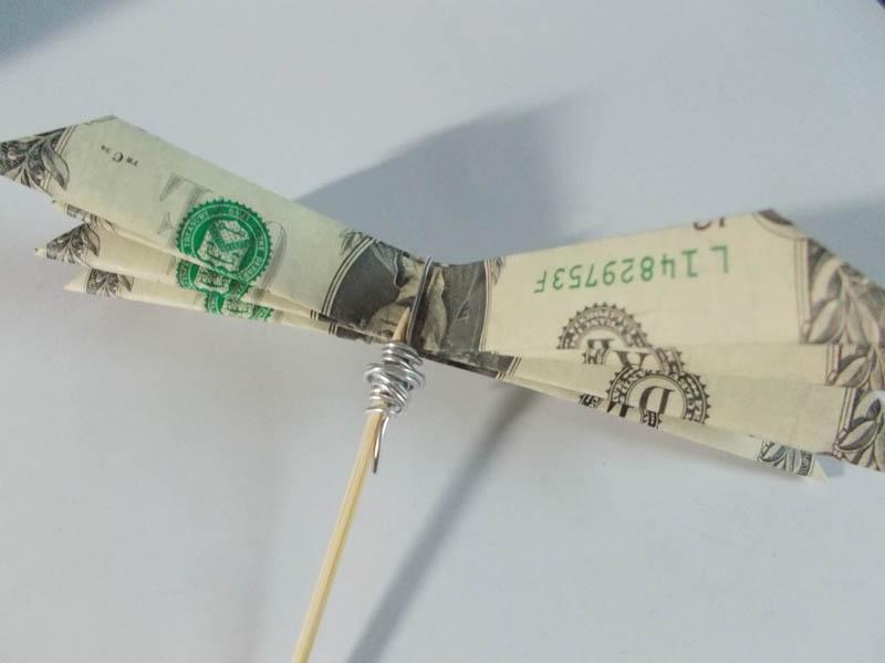 Origami money flowers lovetoknow money flower mightylinksfo