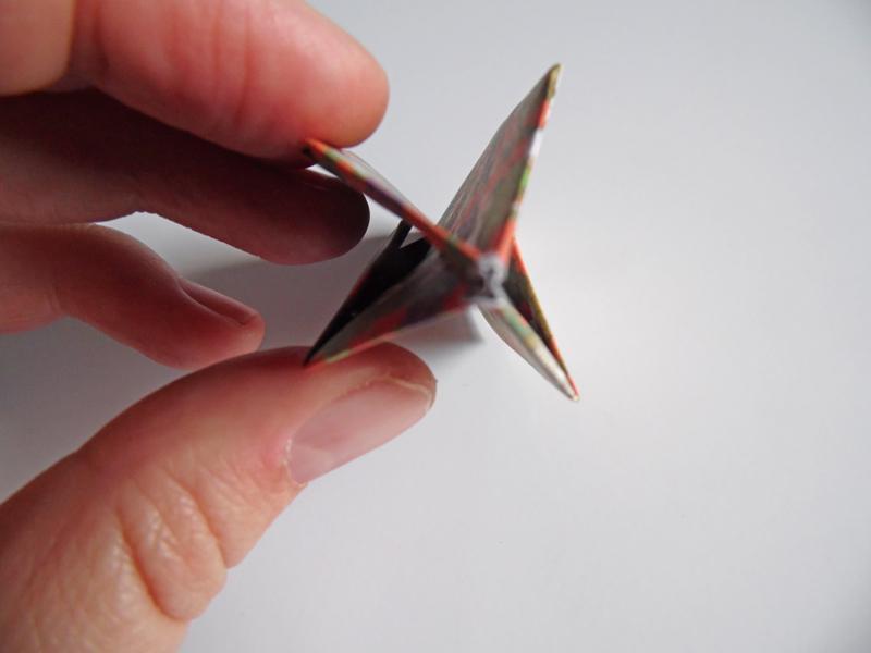 https://cf.ltkcdn.net/origami/images/slide/180861-800x600-balloon-09.JPG
