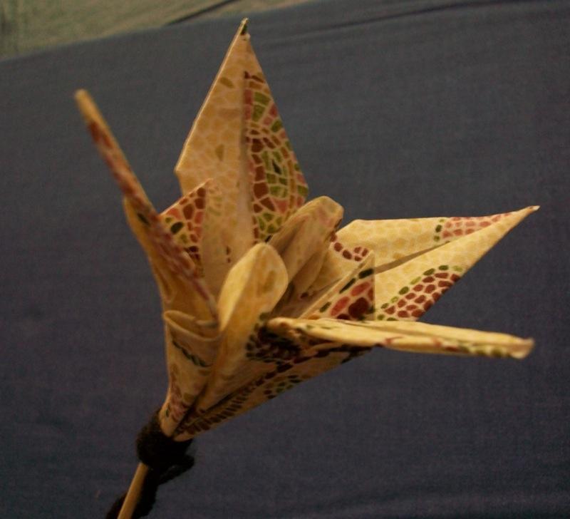 Fabric origami flower instructions lovetoknow 1001471g mightylinksfo
