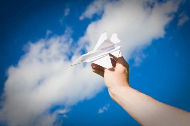 https://cf.ltkcdn.net/origami/images/slide/63173-637x424-ComplexAirplane.jpg