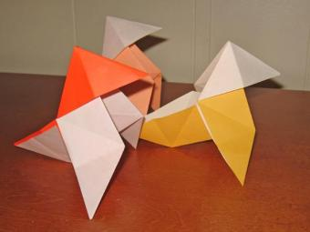 Traditional Origami Hen