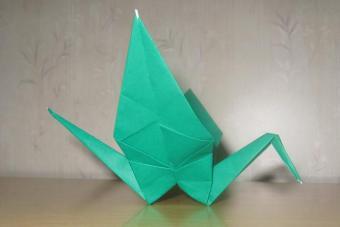 https://cf.ltkcdn.net/origami/images/slide/62692-693x462-Bird-Figure.jpg