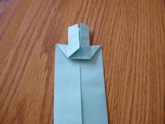 https://cf.ltkcdn.net/origami/images/slide/62719-450x338-Sword4.jpg