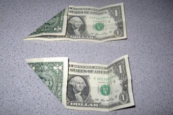 https://cf.ltkcdn.net/origami/images/slide/62755-600x400-Step-2.JPG