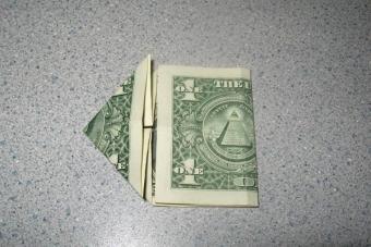 https://cf.ltkcdn.net/origami/images/slide/62757-600x400-Step-4.JPG