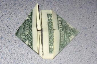 https://cf.ltkcdn.net/origami/images/slide/62758-600x400-Step-5.JPG