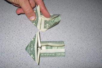 https://cf.ltkcdn.net/origami/images/slide/62759-600x400-Step-6.JPG