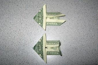 https://cf.ltkcdn.net/origami/images/slide/62762-600x400-Step-8.JPG