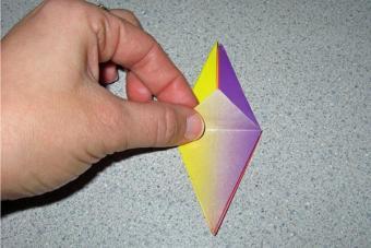 https://cf.ltkcdn.net/origami/images/slide/62796-600x400-Slide-7.jpg