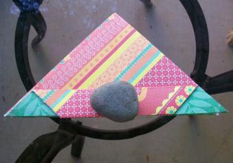 https://cf.ltkcdn.net/origami/images/slide/63042-800x559-OrigamiBox_LoveToKnow8.jpg
