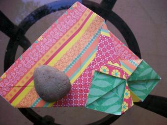 https://cf.ltkcdn.net/origami/images/slide/63044-800x600-OrigamiBox_LoveToKnow10.jpg