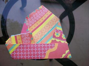 https://cf.ltkcdn.net/origami/images/slide/63048-800x600-OrigamiBox_LoveToKnow15.jpg