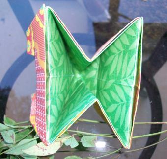 https://cf.ltkcdn.net/origami/images/slide/63051-800x764-OrigamiBox_LoveToKnow18.jpg
