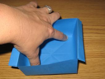 https://cf.ltkcdn.net/origami/images/slide/63146-500x375-Paper_Bowl_15.jpg