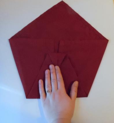 napkin peacock third fold