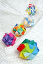 Modular Origami - balls and polyhedra folded by Michał Kosmulski | 250x167