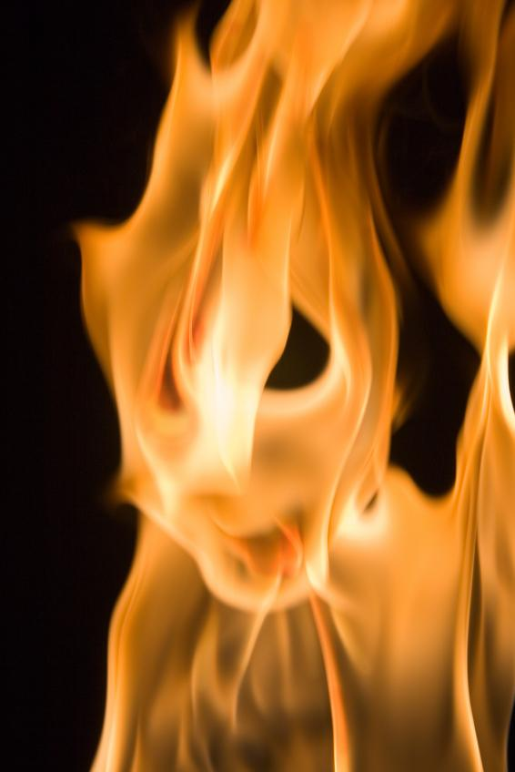 https://cf.ltkcdn.net/paranormal/images/slide/10934-566x848-Flame-ghost-3.jpg