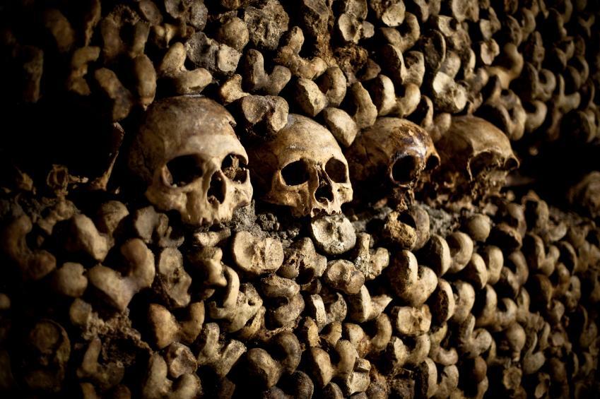 https://cf.ltkcdn.net/paranormal/images/slide/11063-849x565-Paris-Catacombs.jpg