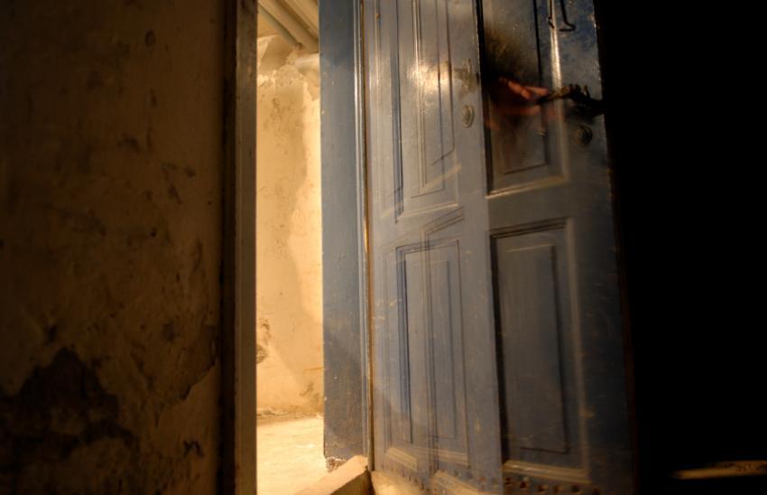 https://cf.ltkcdn.net/paranormal/images/slide/11073-850x548-Glimpse_of_a_ghost.jpg