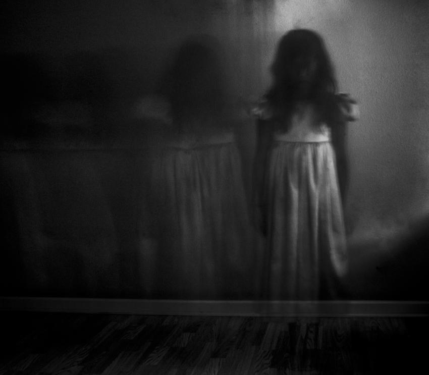 https://cf.ltkcdn.net/paranormal/images/slide/245319-850x743-Ghost-photo-fake.jpg