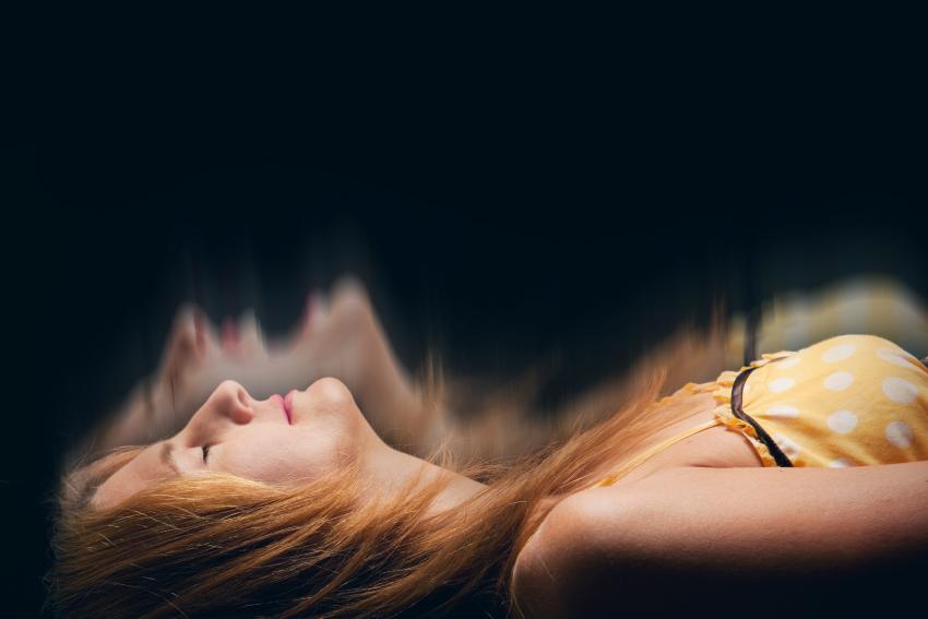https://cf.ltkcdn.net/paranormal/images/slide/245336-850x567-woman-leaving-body-meditation.jpg