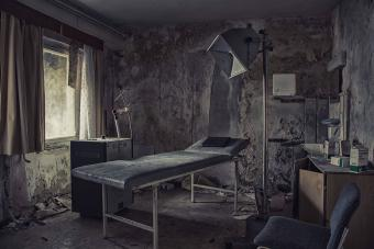 8 Most Haunted Hospitals (With More Than Just Patients)