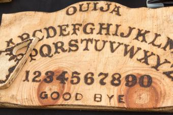 How to Make Your Own Ouija Board: DIY Ideas With Steps