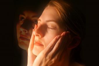 https://cf.ltkcdn.net/paranormal/images/slide/237242-850x567-woman-meditation.jpg