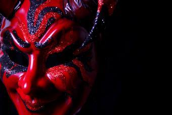 https://cf.ltkcdn.net/paranormal/images/slide/237244-850x567-devil-mask.jpg
