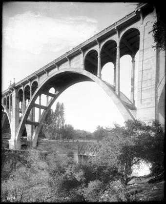 Colorado Street Bridge from beneath
