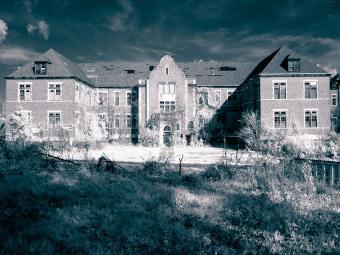 https://cf.ltkcdn.net/paranormal/images/slide/240206-850x637-Pennhurst-State-School.jpg