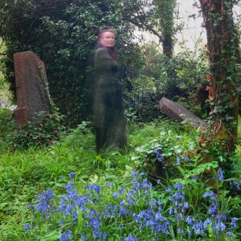 https://cf.ltkcdn.net/paranormal/images/slide/249125-850x850-3-victorian-ghost-stories.jpg
