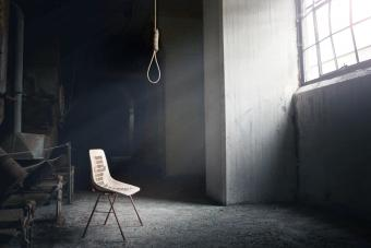Hangman Noose with thirteen loops setup in an abandoned building